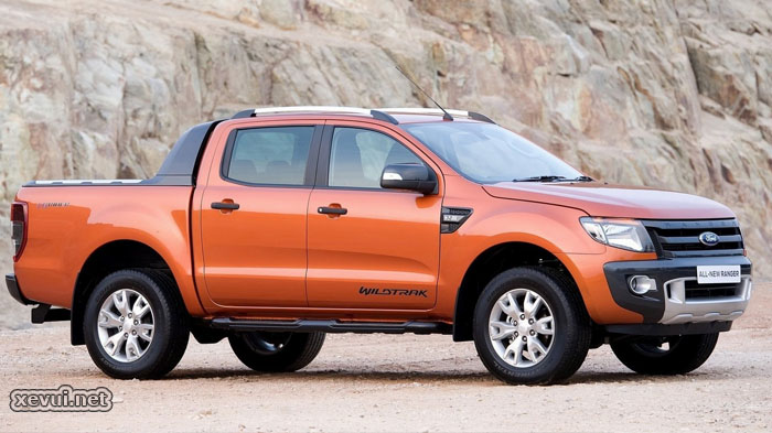 Ford Ranger Wildtrak 3.2L và Mazda BT-50 3.2L
